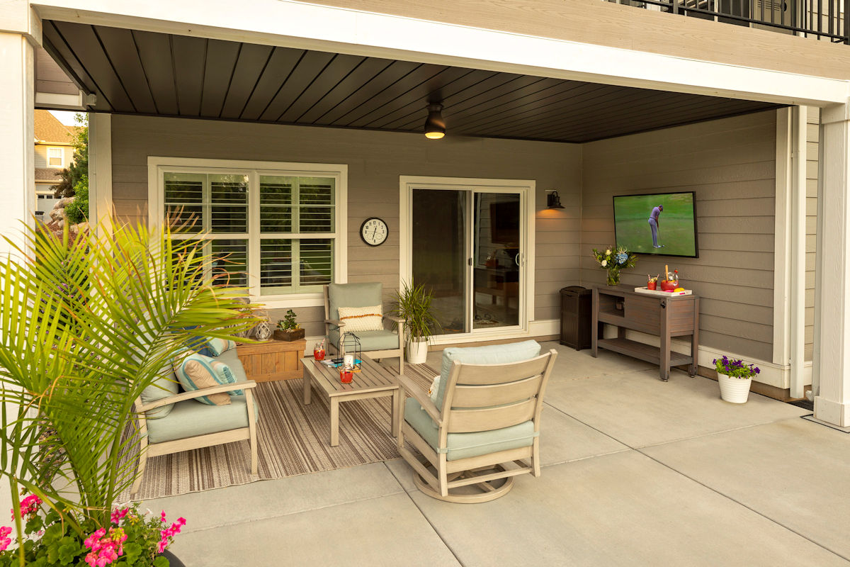Small But Mighty outdoor entertainment area by LIVIT Site + Structure