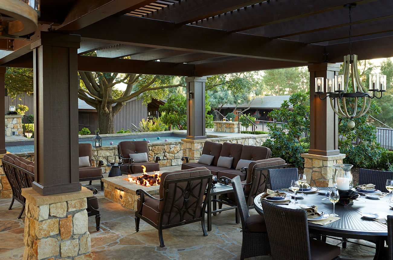 outdoor entertainment area in Coastal Retreat Project by Tim Johnson at LIVIT
